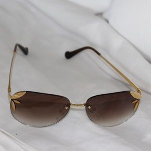 LOUIS VUITTON LILA PILOT SUNGLASSES